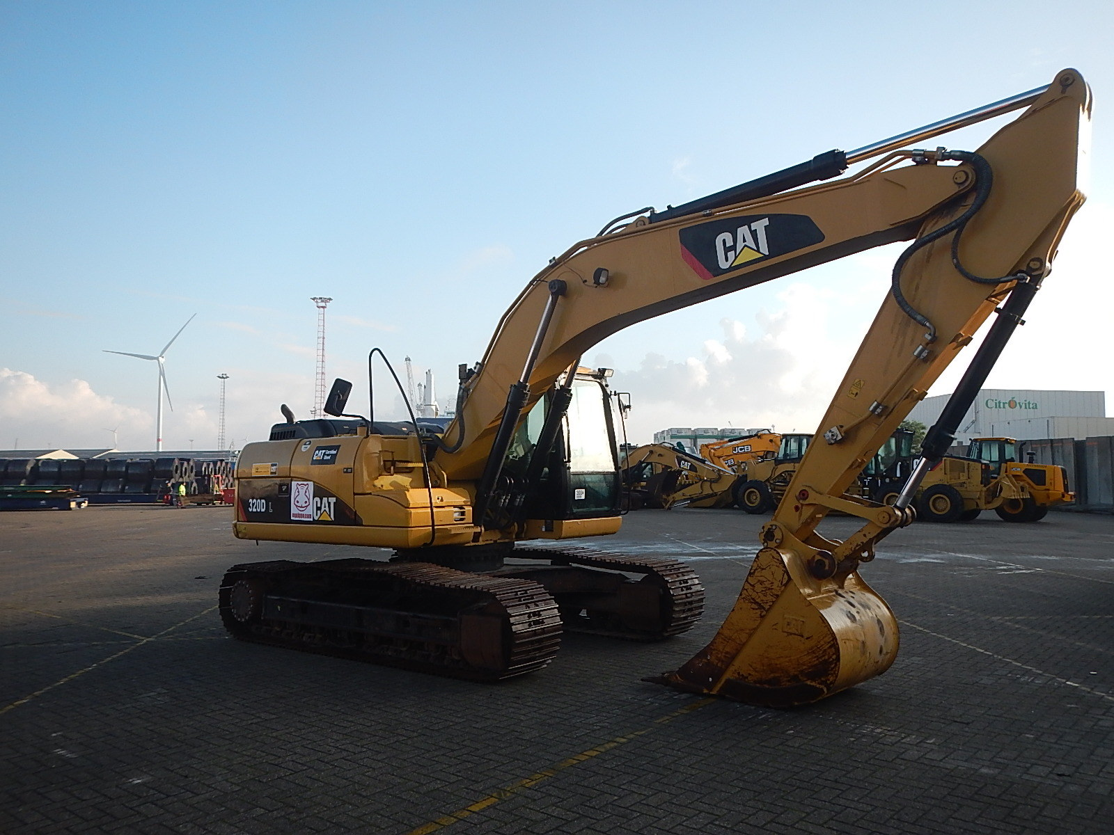 2013 - Caterpillar 320DL