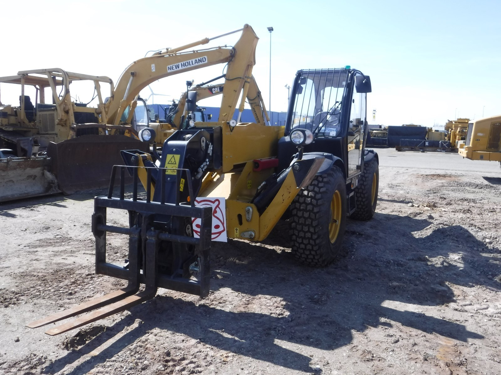 2013 - Caterpillar TH414 C
